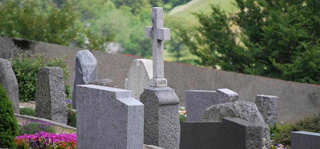 Traditionen und Bräuche - Tod und Trauer