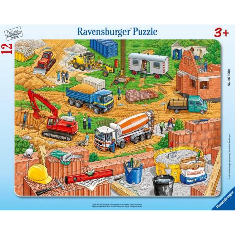 Arbeit auf der Baustelle. Rahmenpuzzle 12 Teile