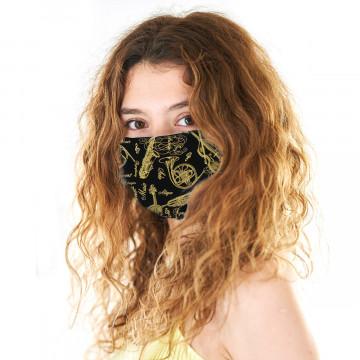Gesichtsmaske mit goldenen Instrumenten